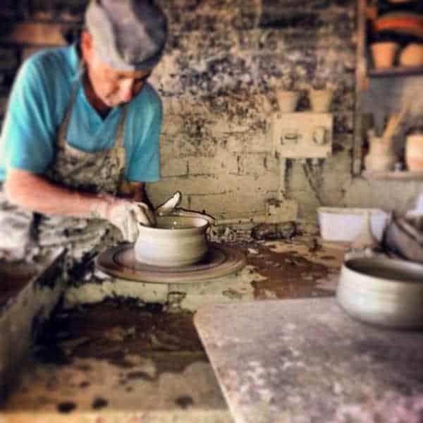 Pottery artesan